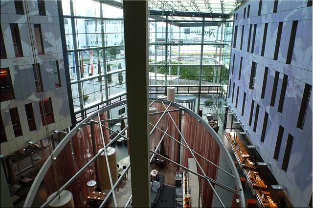 Recepción y bar del hotel de Colonia