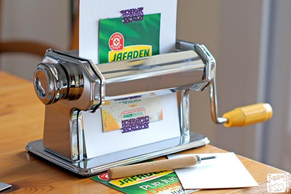 Machin à pâtes qui permet d'imprimer des plaques de Tetra Pak gravées