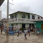El patio de recreo es la calle principal