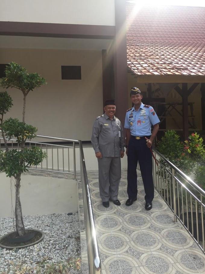 Danlanud Roesmin Noerjadin Marsma.TNI Age Wiraksono Kunjungi SMPN 4 Pekanbaru