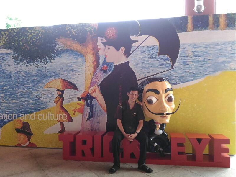 Trick Eye Museum bisa dikunjungi berlibur 1 Hari Keliling Singapura