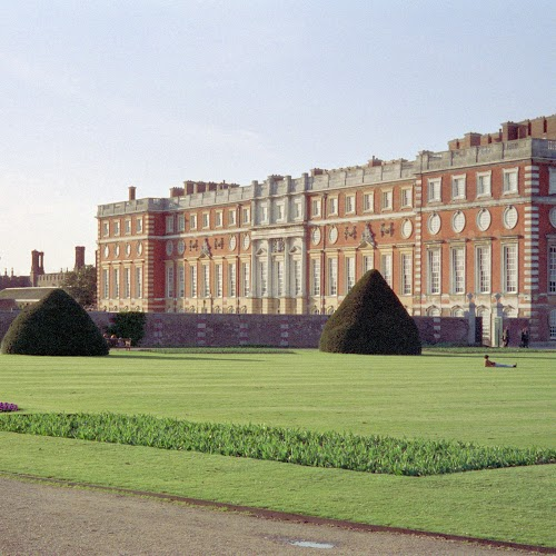Hampton_Court_05.jpg