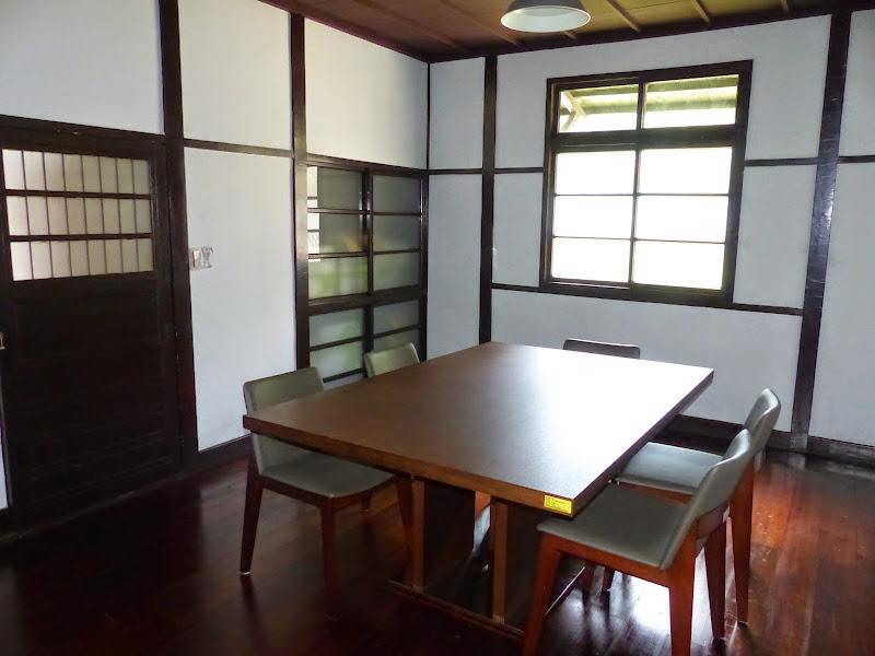 Taipei. Librairie Eslite, et deux maisons japonaises restaurées (dédiées à la poésie) - P1240916.JPG
