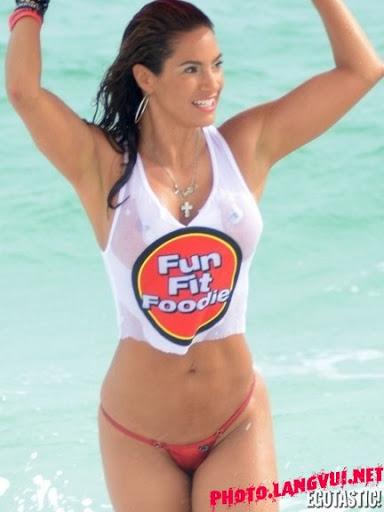 Jennifer Nicole Lee Hot Bikini Thong in Miami