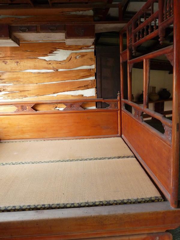 un lit entier et ses fermes matelas
