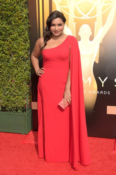 Mindy Kaling attends the 2015 Creative Arts Emmy Awards