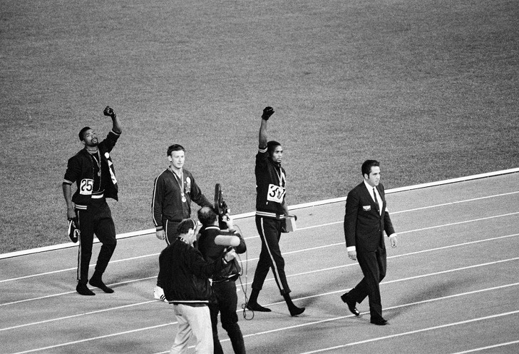 John_Carlos,_Tommie_Smith,_Peter_Norman_1968