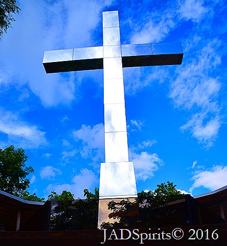 Te Giant Cross on topof the Minalungao Hill can be reached by climbing a stairs of 1000 steps