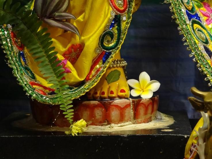 ISKCON Nigdi Deity Darshan 18 Dec 2015 (11)
