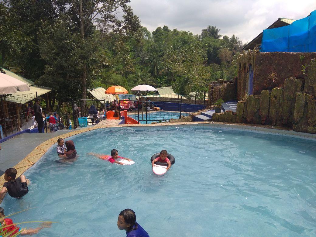 """Wahana Wisata Edukasi Batu Apung Alam Hijau """"Cocok Untuk Keluarga"""