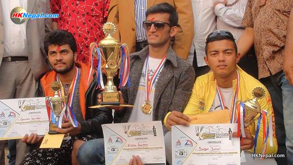 धरानको प्याराग्लाइडिङ च्याम्पियनसीपको उपाधि  पोखराका पाइलट विजय गौतमलाई