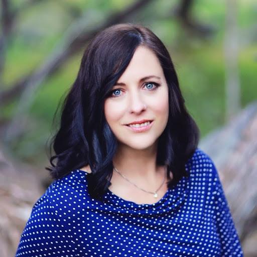 Melissa Larson Photo 37