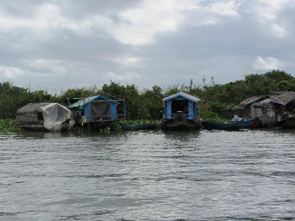 0025Tonle_Sap_Lake_Floating_Village