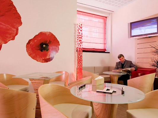 Hotel ibis Madrid Aeropuerto Barajas, 49 Avenida general, 28042 Madrid, Spain