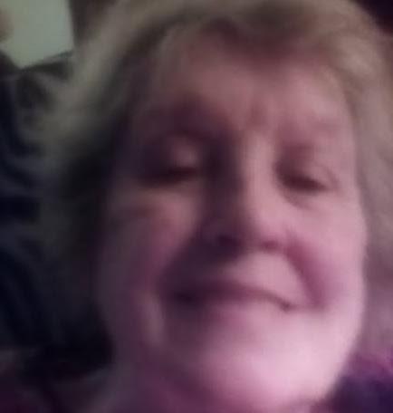 user Sarah Roberts apkdeer profile image