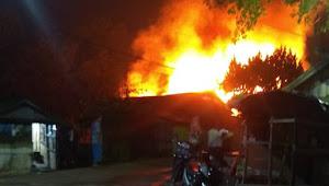 Sebuah Bedeng Rumah Samping PT PSUT Desa Sarang Burung Hangus Terbakar