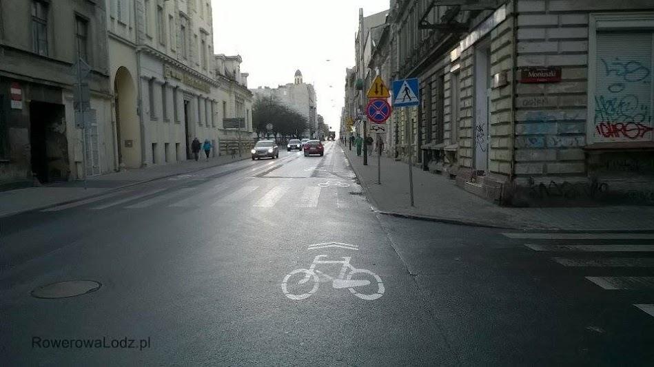 Na skrzyżowaniu z ul. Moniuszki