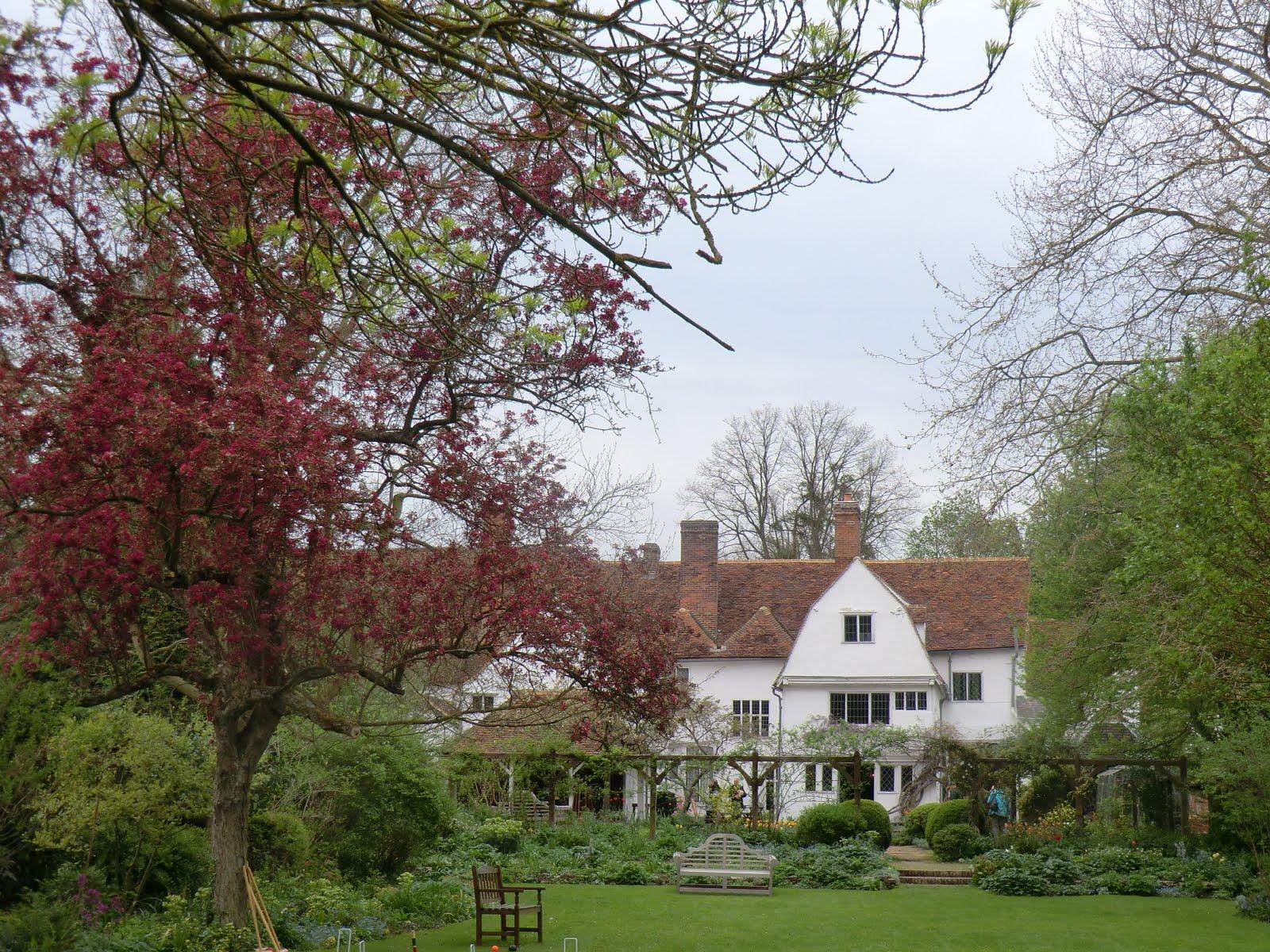 CIMG0423 Paycocke's garden