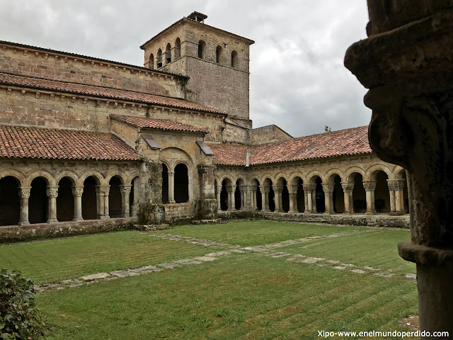 claustro-colegiata-santillana-del-mar.jpg