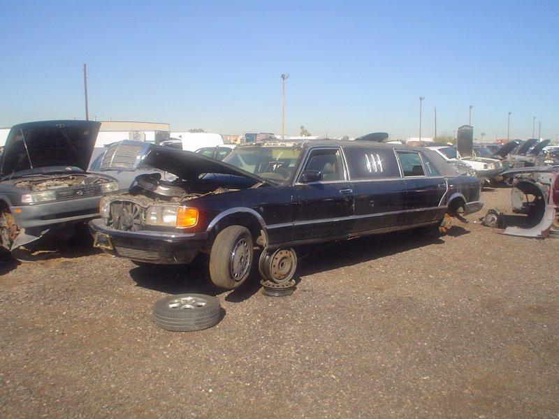 Mercedes w126 limo at arizona pick a part peachparts for Mercedes benz parts arizona