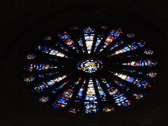 2017.10.23-138 rosace dans la basilique Saint-Remi
