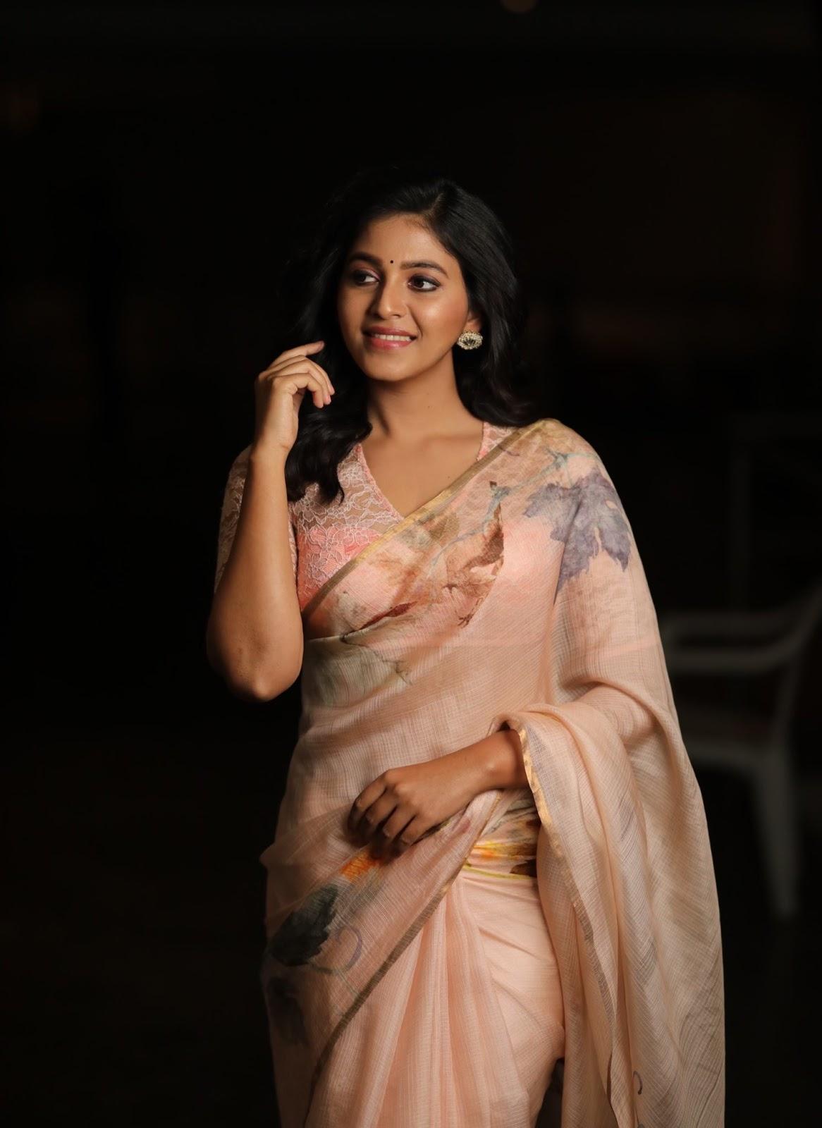 Actress Anjali Latest Clicks in Saree
