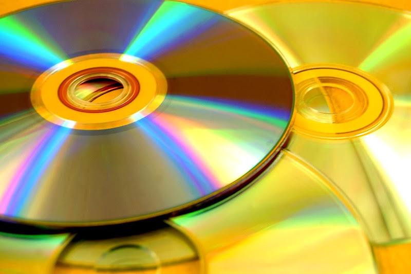 https://lh3.googleusercontent.com/-j0Ny3ugiUBs/UfeaBMnabZI/AAAAAAAAJsg/Qme3SfY95qE/s800-no/Dvd-disk.jpg