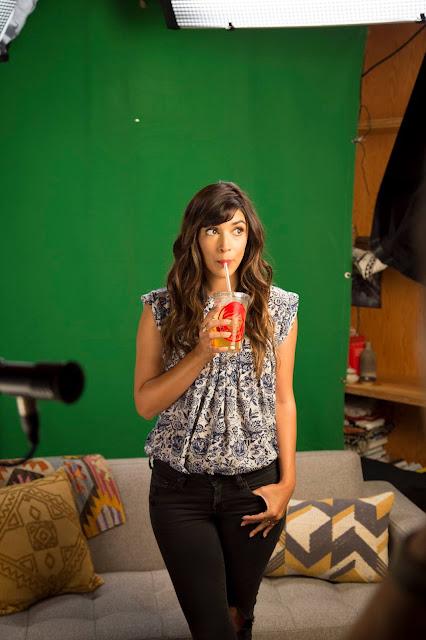 Hannah Simone Profile Pics Dp Images