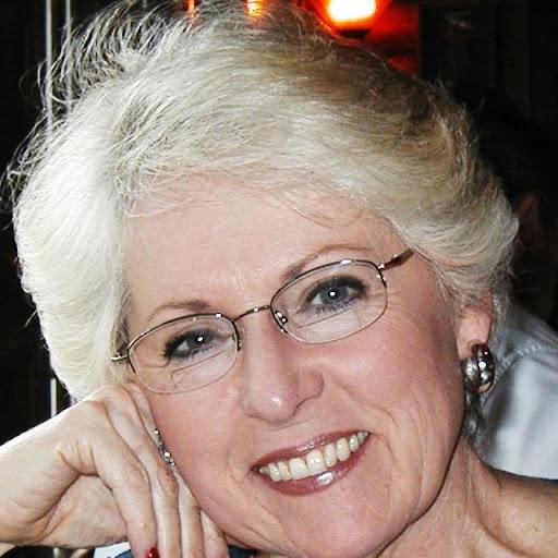 Myrna White Photo 9