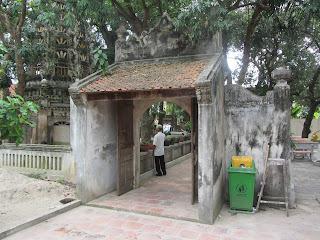 0005Ngo_Quyen_Temple