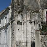 Place du Chatel : vestiges de l'Eglise Saint-Thibault