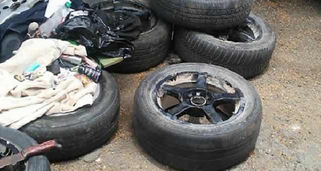 La Policía allana tiendas de repuestos de vehículos en la calle 20 de Villa Juana