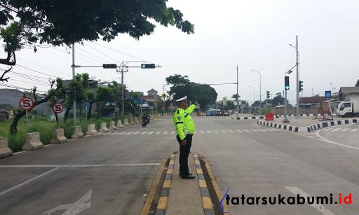 Tol Bocimi Pintu Cigombong Minim Rambu Petunjuk Arah dan Durasi Traffic Light Penyebab Kemacetan