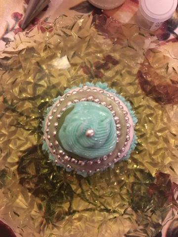 Pearl White Lustre Dust On Cake