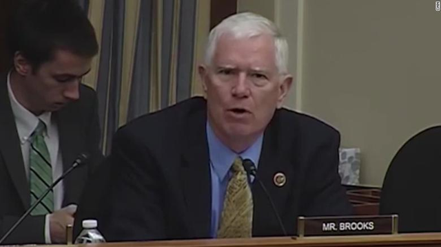 Alabama Republican Representative Mo Brooks asks if rocks cause sea level rise, 17 May 2018. Photo: CNN