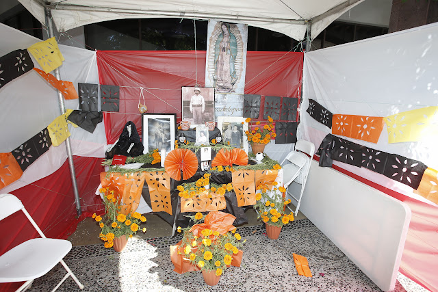 Plaza Mexico, Dia De Los Muertos, Lynwood, CA  November 2, 2013. Photo by German Alegria/Plaza Mexico