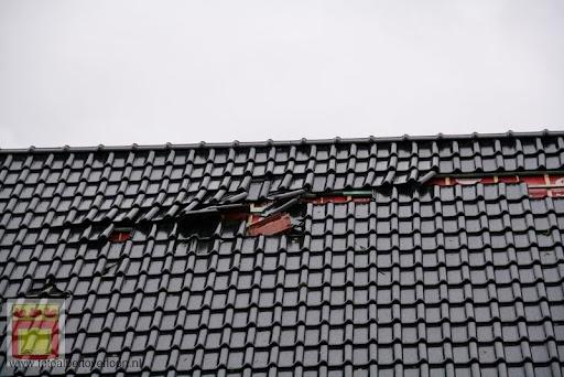Noodweer zorgt voor ravage in Overloon 10-05-2012 (74).JPG