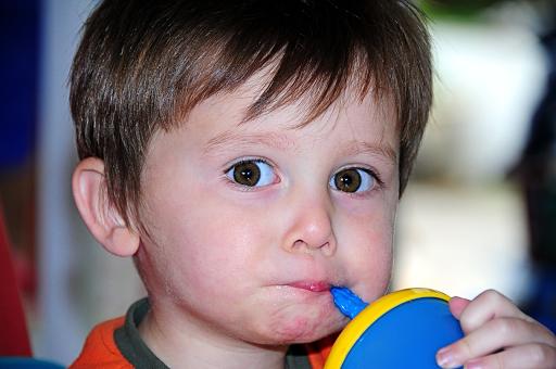 a que edad salen dientes bebes