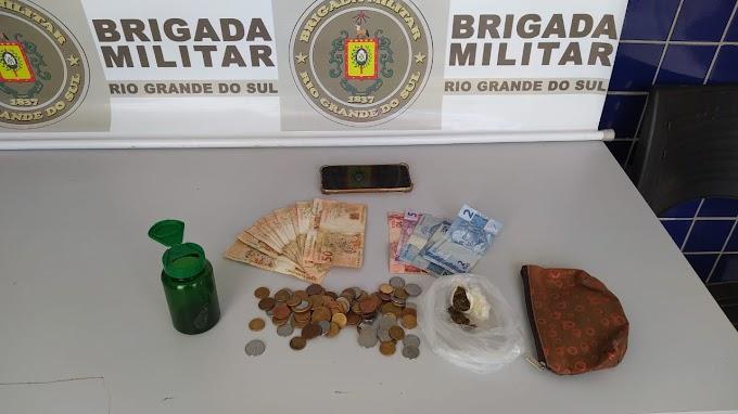 Homem de 21 anos é preso por tráfico de drogas no Bonsucesso em Gravataí