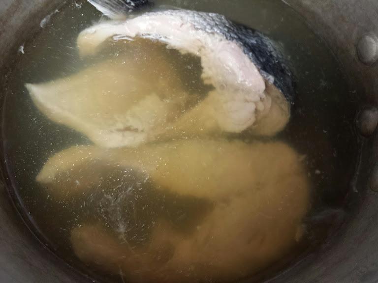 ขนมจีนน้ำยาป่าปลาแซลมอน