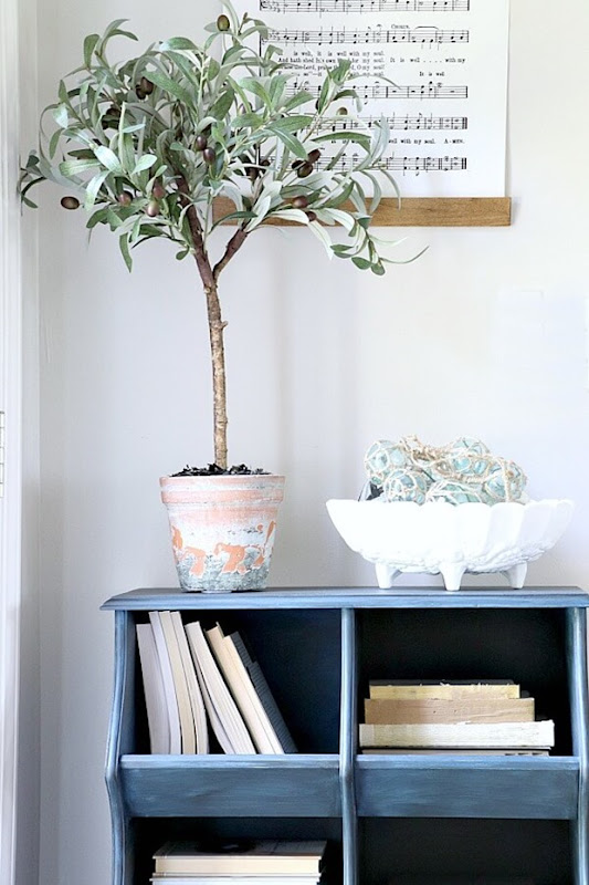 Easy-DIY-Faux-Olive-Topiary