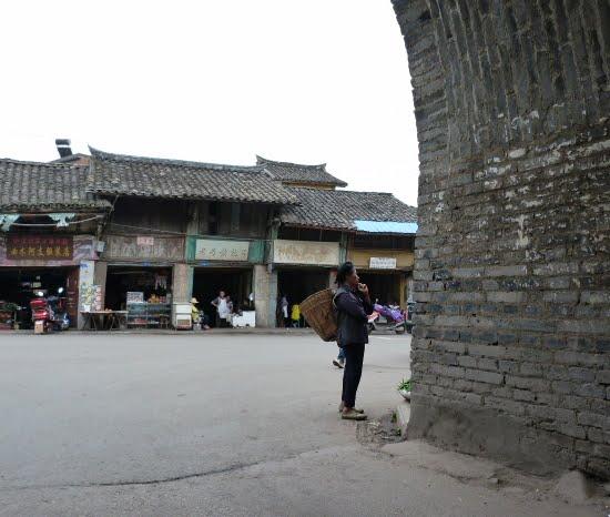 CHINE SICHUAN.XI CHANG ET MINORITE YI, à 1 heure de route de la ville - 1sichuan%2B699.JPG