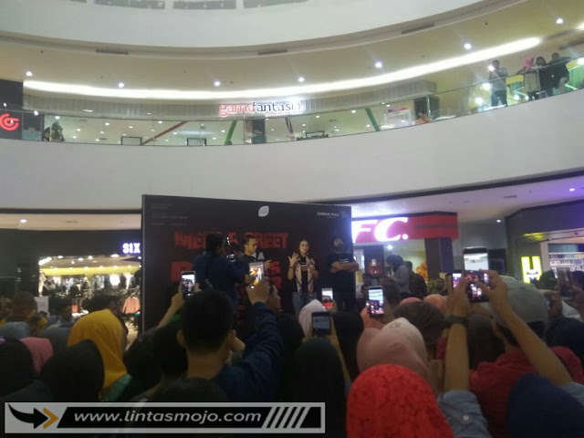 Luna Maya di Sunrise Mall Kota Mojokerto