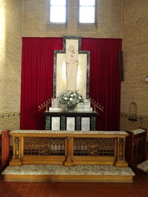 Maria altaar H.H. Engelbewaarderskerk - DSC04412.JPG