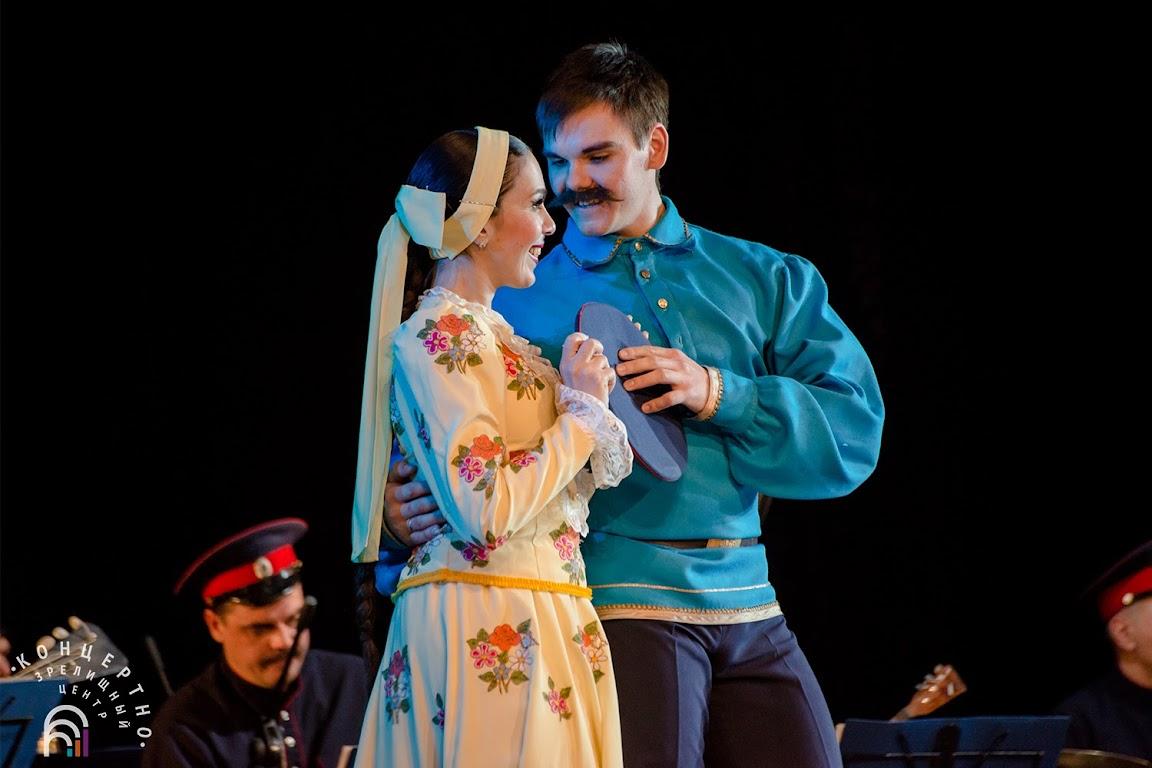 фото казаки на сцене