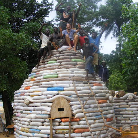This earthbag dome in Kenya is made from old sacks filled with local soil. It's free and earthquake proof too!