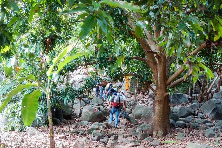 kinh-nghiem-leo-nui-ba-den-069