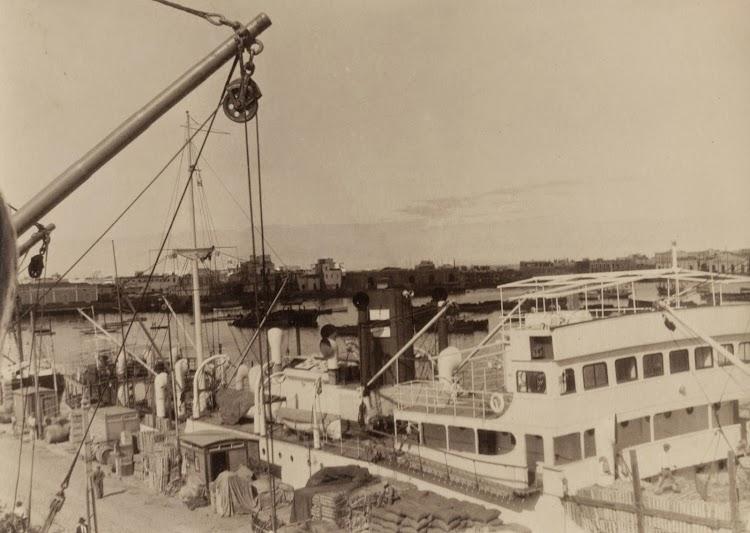 Detalle del SIL. Observese el puente original descubierto. Archivo FEDAC. Ca. 1930.jpg