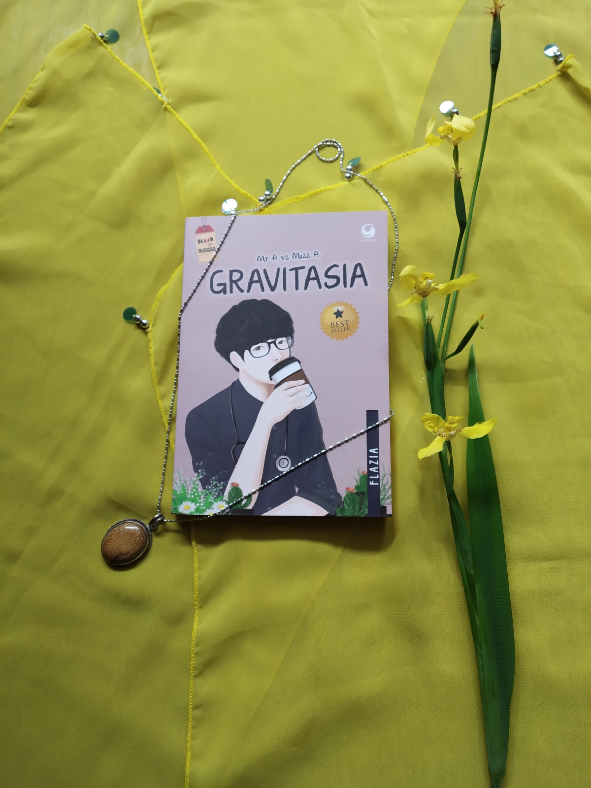 Review Novel Gravitasia Karya Flazia