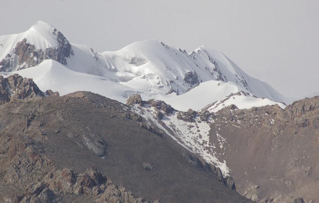 Koksaal Alatau : sommet à 4800 m, 12 juillet 2006. Photo : J.-M. Gayman